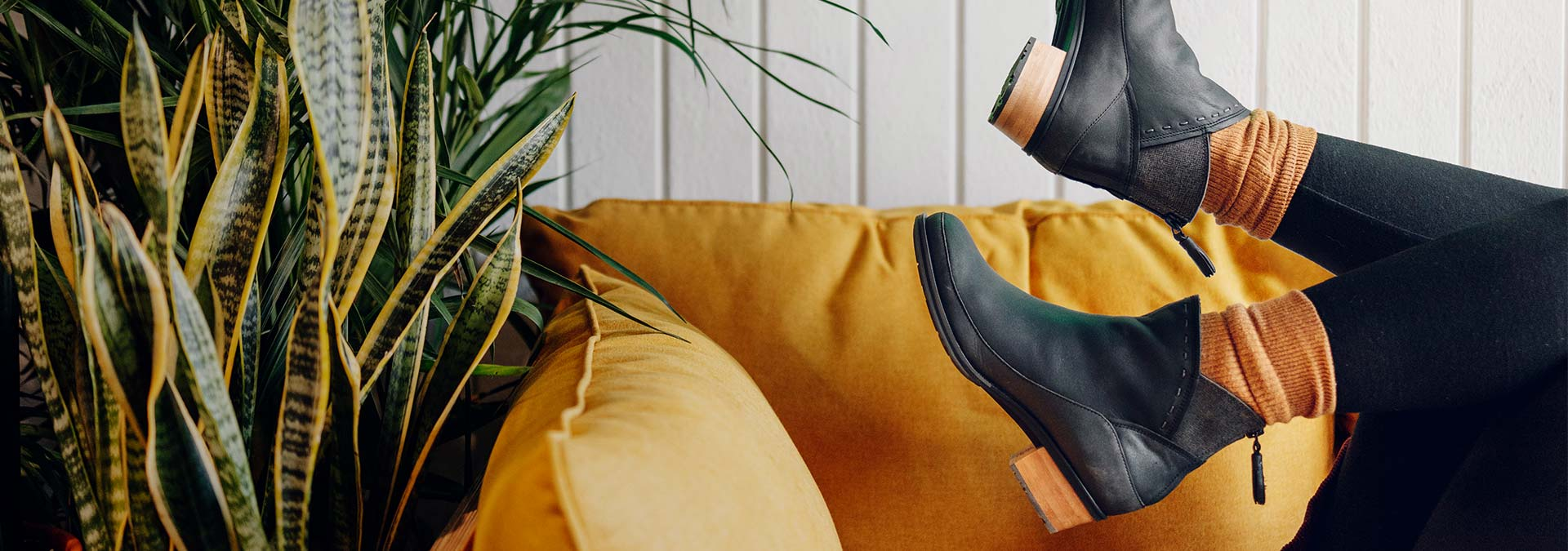 Kick up your Cataluna Mid heels with these stylish boots from Chaco.